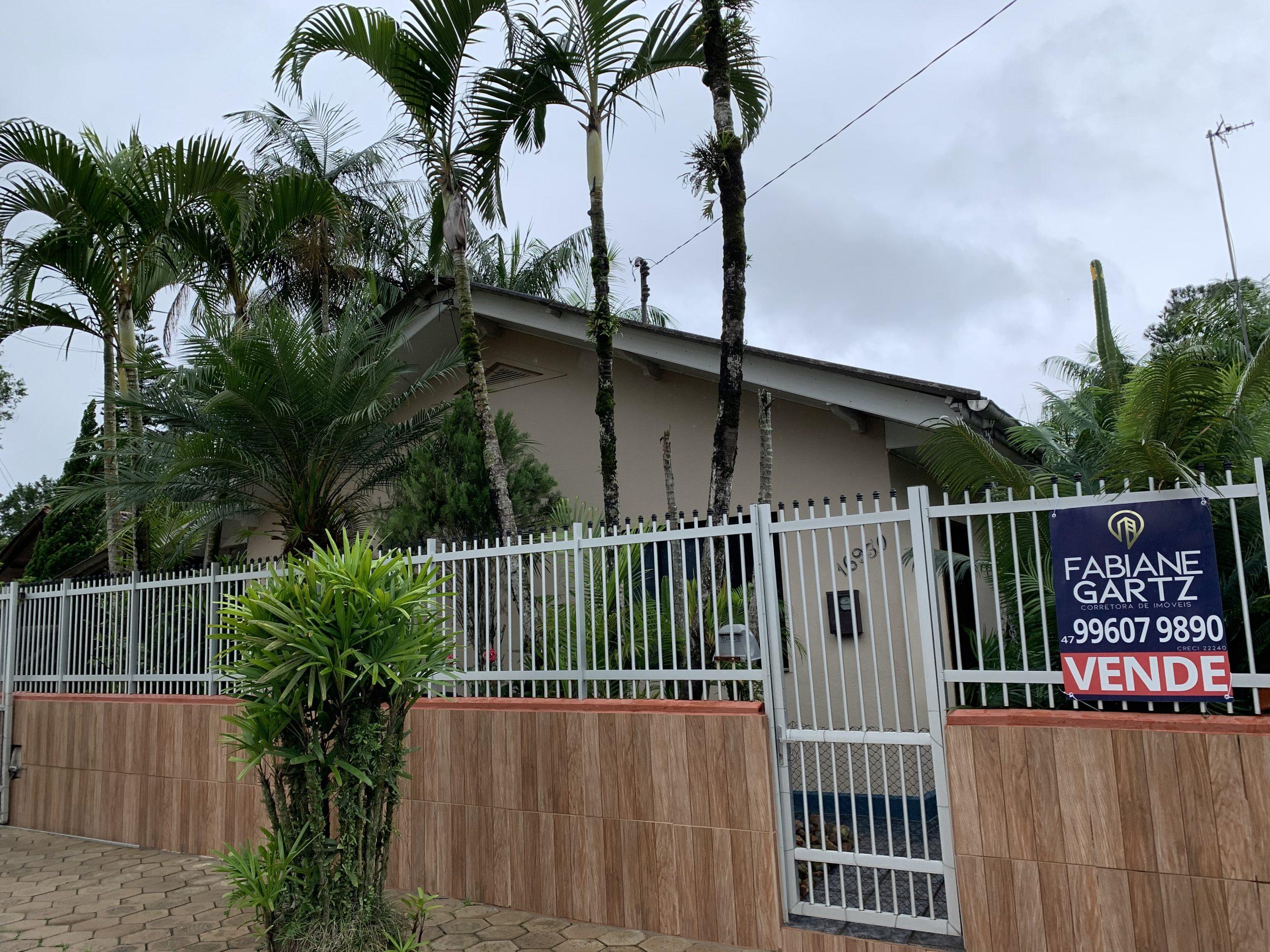 C0287 – Casa no Bairro Santa Luiza com três quartos.