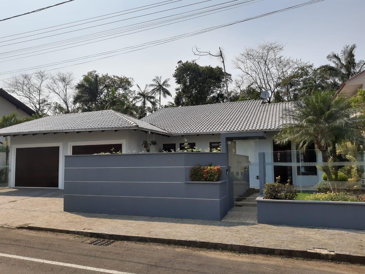 C0257 – Linda casa com 3 quartos, sendo 2 suítes.